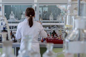 Análisis fisicoquímicos en EDAR, PTAR, puntos de control, DPH y plantas potabilizadoras.